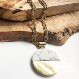 Express gold marble circle pendant necklace
